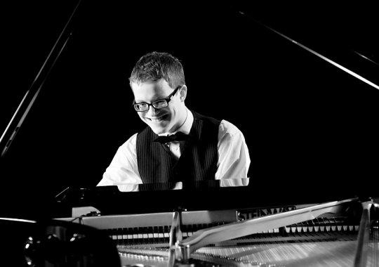 Hudební večer ve fabrika restaurantu - pianista roku 2014 MICHAL ŠUPÁK