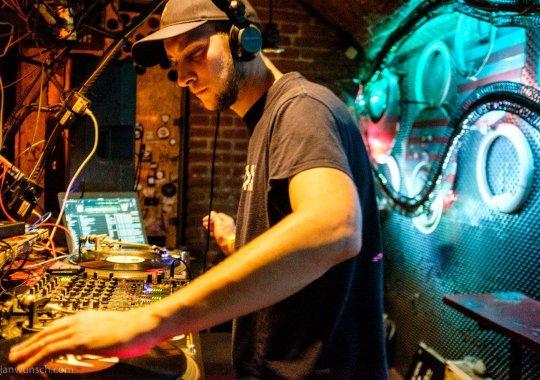 FABRIKA CLUB: sobota 17.2. Vinyl night s DJ Kreuz